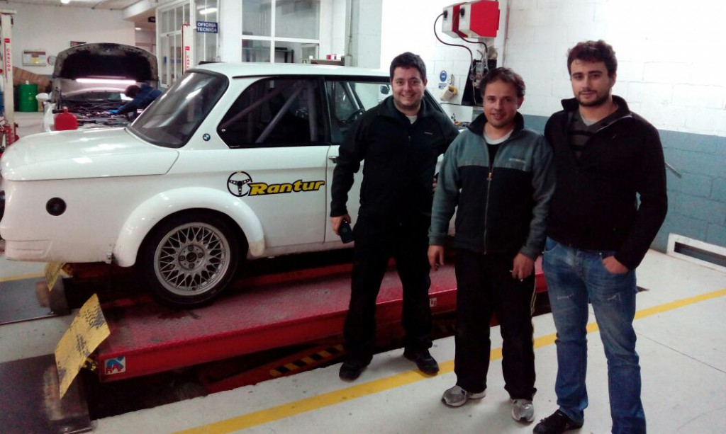 """With my partner and president of FANSI Motorsport and Jorge González """"Rantur."""""""